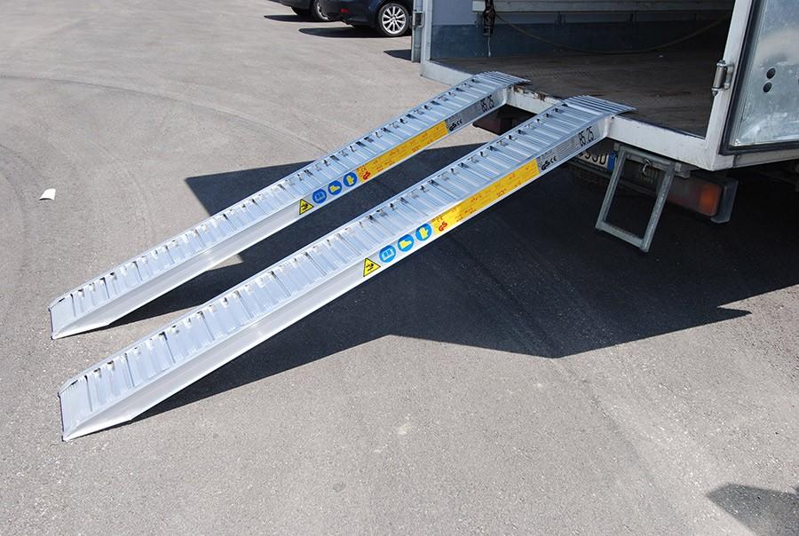 Plant & Vehicle Ramp 4000mm Long, 1700Kg Capacity, 300mm Wide